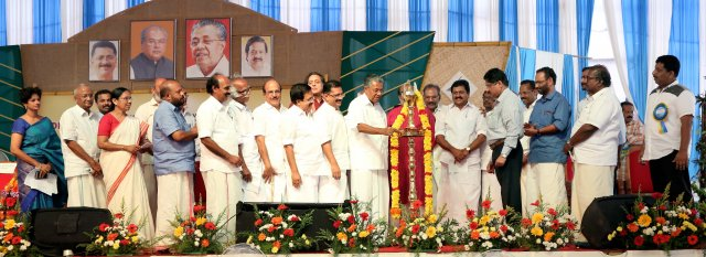 Sri. Pinarayi Vijayan, Hon' Chief Minister of Kerala Inaugurating the function declaring ODF in rural kerala on November 01, 2016